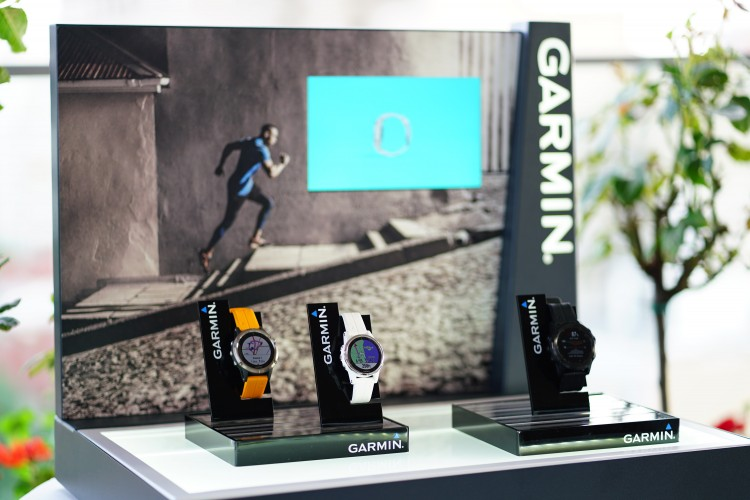 Garmin lansează seria fēnix® 5 Plus  – ceasul multisport cu hărți integrate, funcțiile Music, Pay și Pulse Ox -
